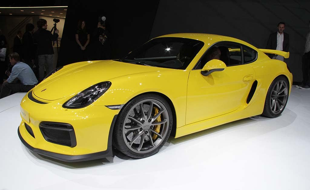 porsche unveils new track ready 911 gt3 rs porsche cayman gt4 geneva debut. Black Bedroom Furniture Sets. Home Design Ideas