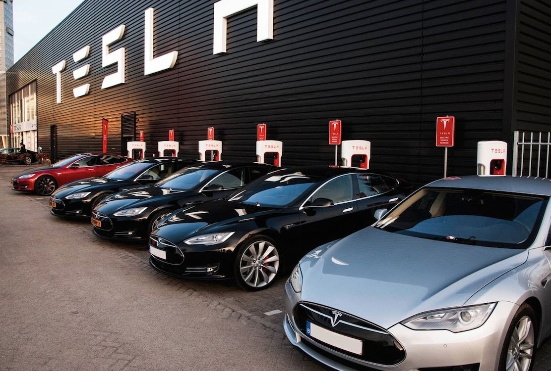 Tesla Reaches New Deal with Panasonic
