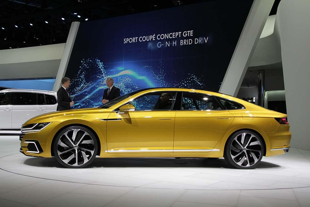 Vw Sport Coupe Concept Gte Side Profile From The Adapts A Flattened Curve Roofline Meant To Emphasize Its Width