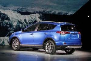 Toyota Debuts New Rav4 Hybrid