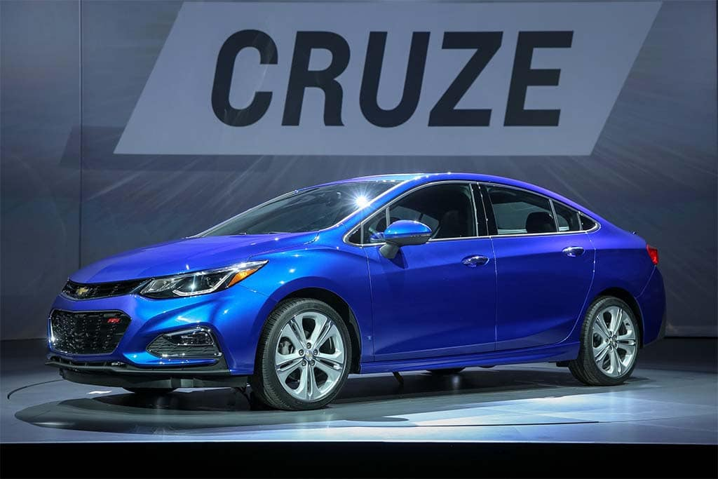 Despite Gaining 2 7 Inches In Length The 2016 Chevy Cruze Is 250