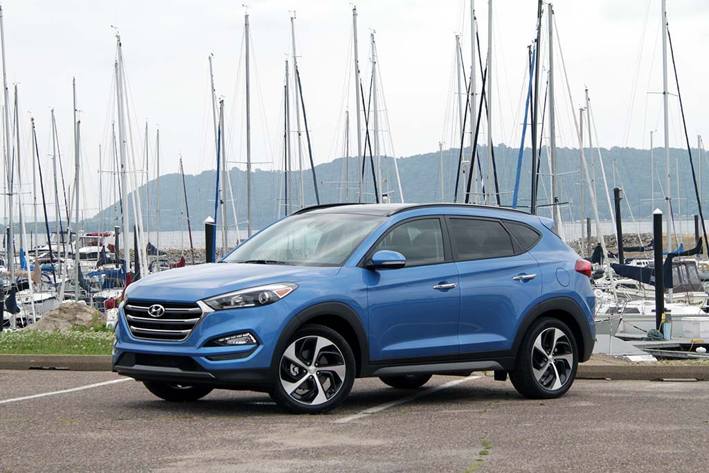 first drive 2016 hyundai tucson. Black Bedroom Furniture Sets. Home Design Ideas