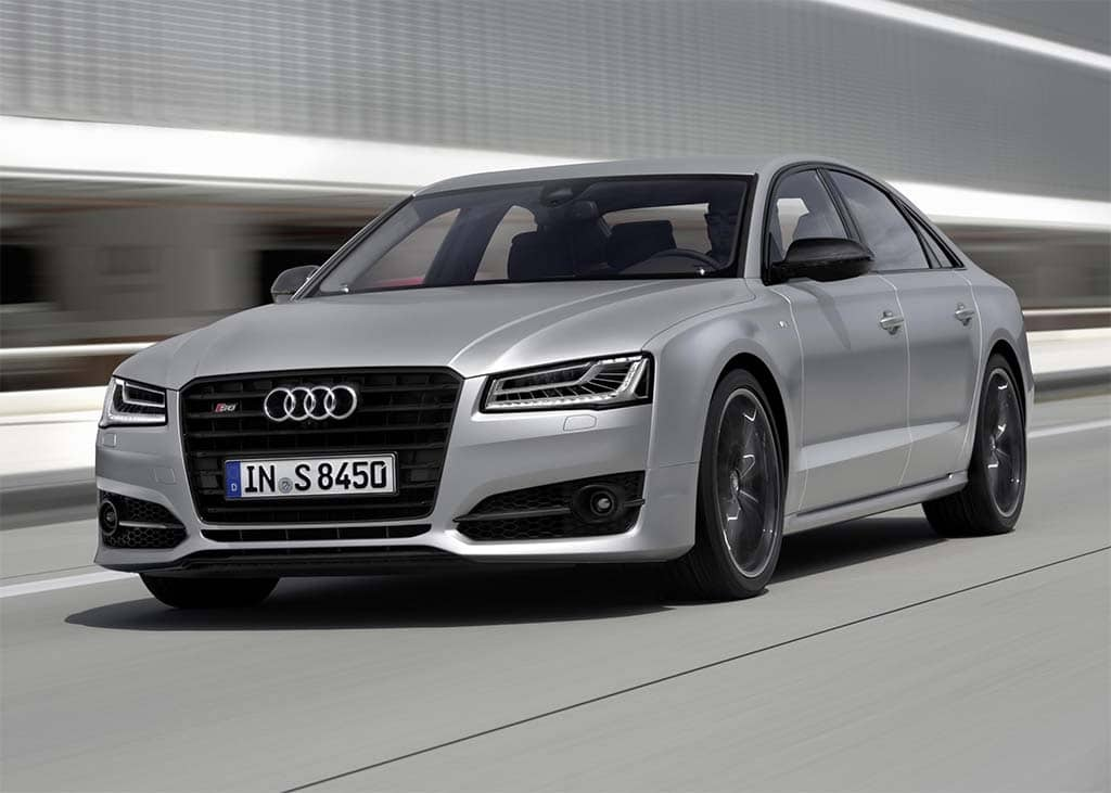 new audi s8 plus blends supercar performance premium luxury features. Black Bedroom Furniture Sets. Home Design Ideas