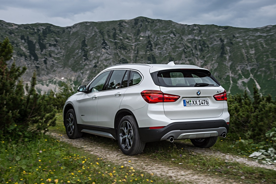 bmw unveils new x1 luxury compact crossover. Black Bedroom Furniture Sets. Home Design Ideas