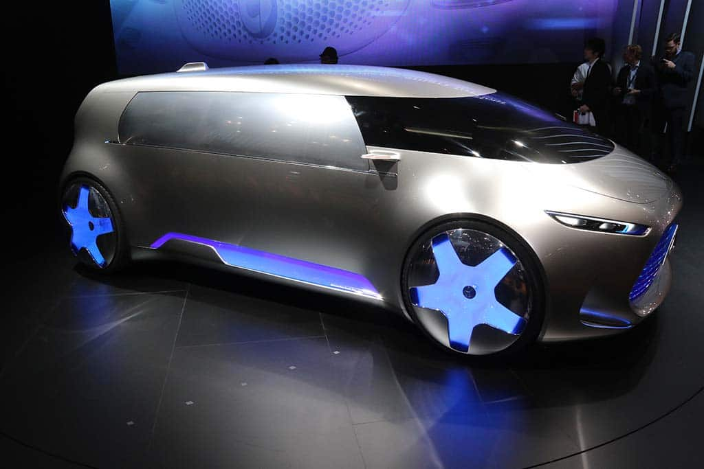 http://www.thedetroitbureau.com/wp-content/uploads/2015/10/Mercedes-Benz-Vision-Tokyo-front-3-4.jpg