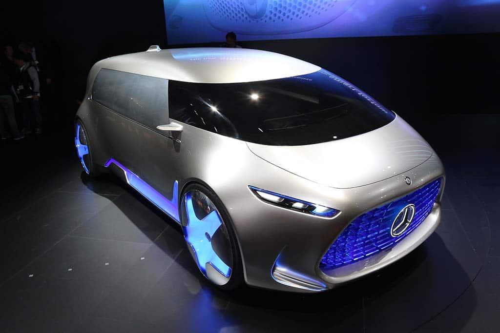 http://www.thedetroitbureau.com/wp-content/uploads/2015/10/Mercedes-Benz-Vision-Tokyo.jpg