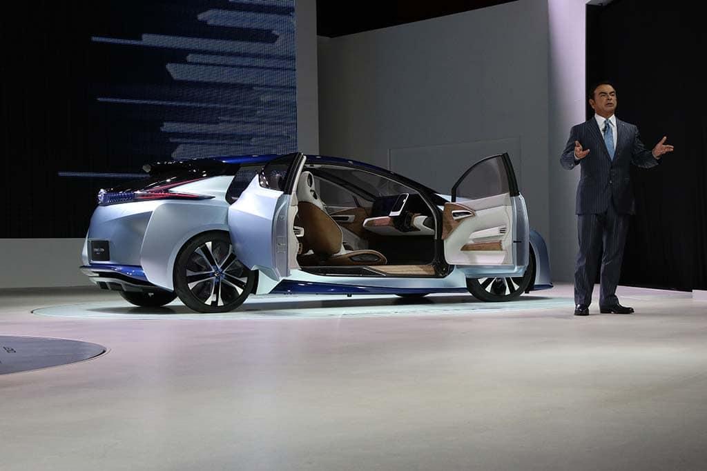 Nissan Autonomous Battery-Car Concept Delivers Clean, Safe Driving ...