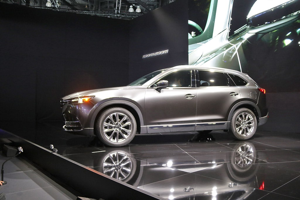 new 2016 mazda cx 9 shows its soul in motion. Black Bedroom Furniture Sets. Home Design Ideas