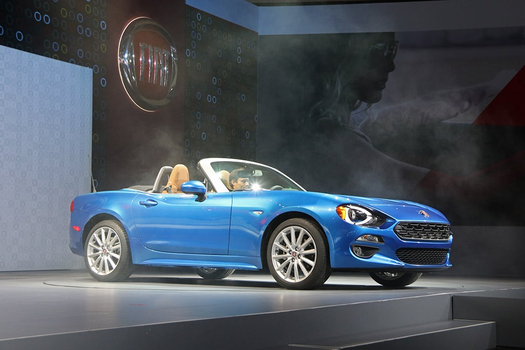 fiat hopes new 124 spider will catch buyers in its web. Black Bedroom Furniture Sets. Home Design Ideas