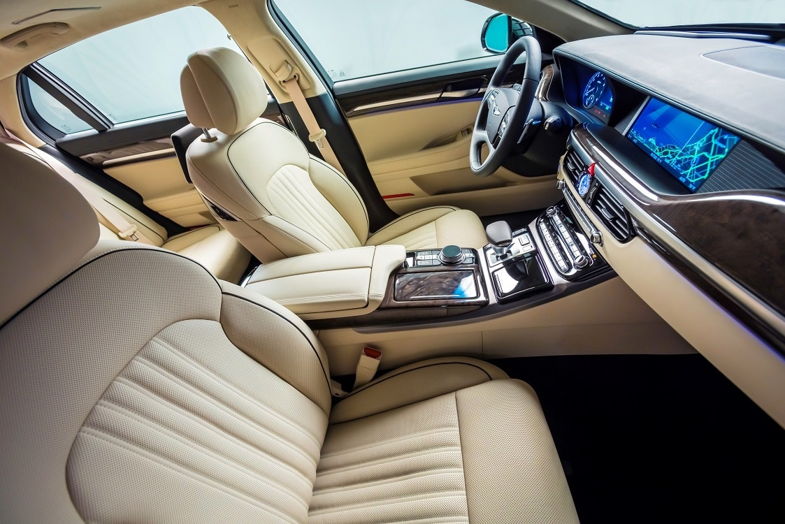hyundai takes wraps off genesis g90 flagship. Black Bedroom Furniture Sets. Home Design Ideas