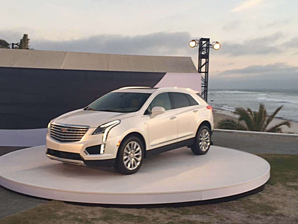 first drive cadillac xt5. Black Bedroom Furniture Sets. Home Design Ideas