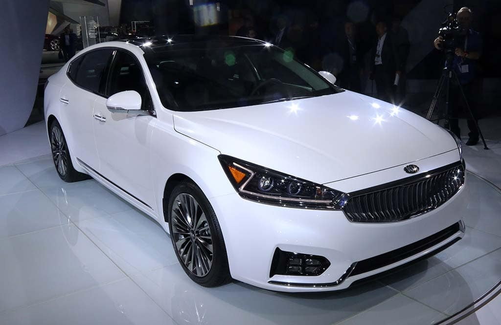 kia cadenza car and driver new and used car reviews autos post. Black Bedroom Furniture Sets. Home Design Ideas