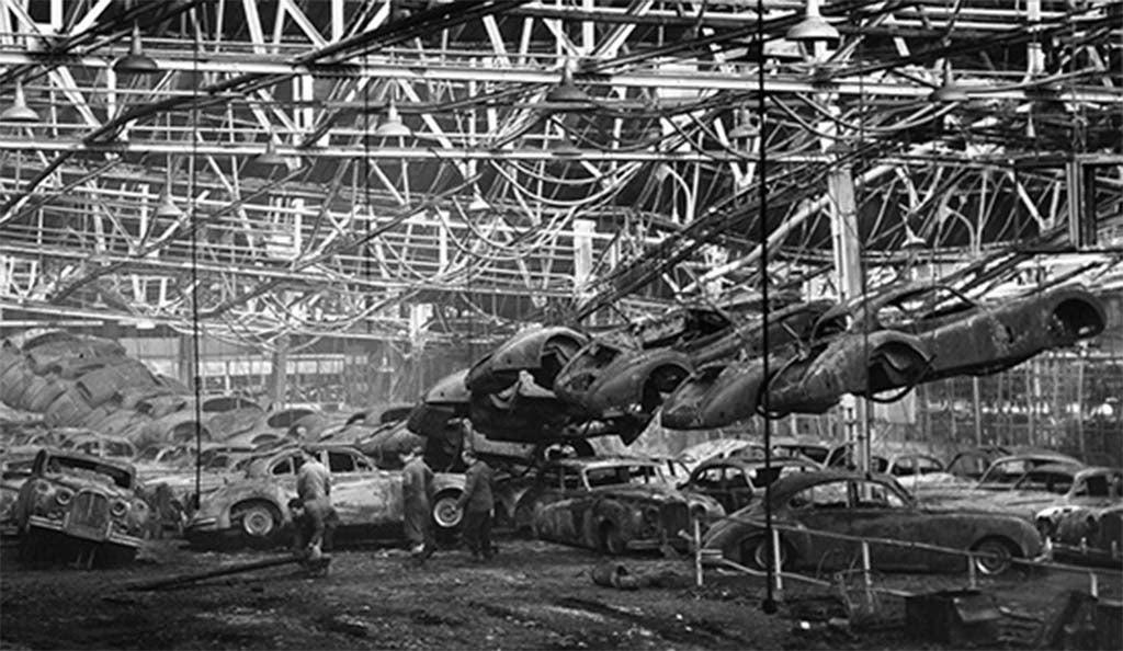 Jaguar Brings Back The 1957 Xkss Thedetroitbureau Com