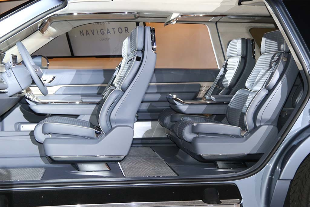 Lincoln Hopes To Get Back On Track With Navigator Makeover