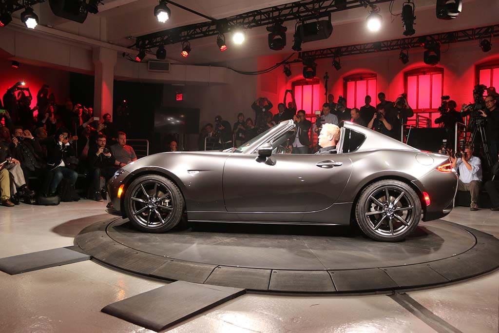 Mazda Drops Surprise And Top With Mx 5 Miata Retractable Fastback