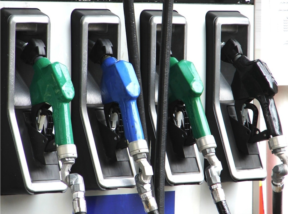 Gas Prices Level Off as Summer Driving Season Starts