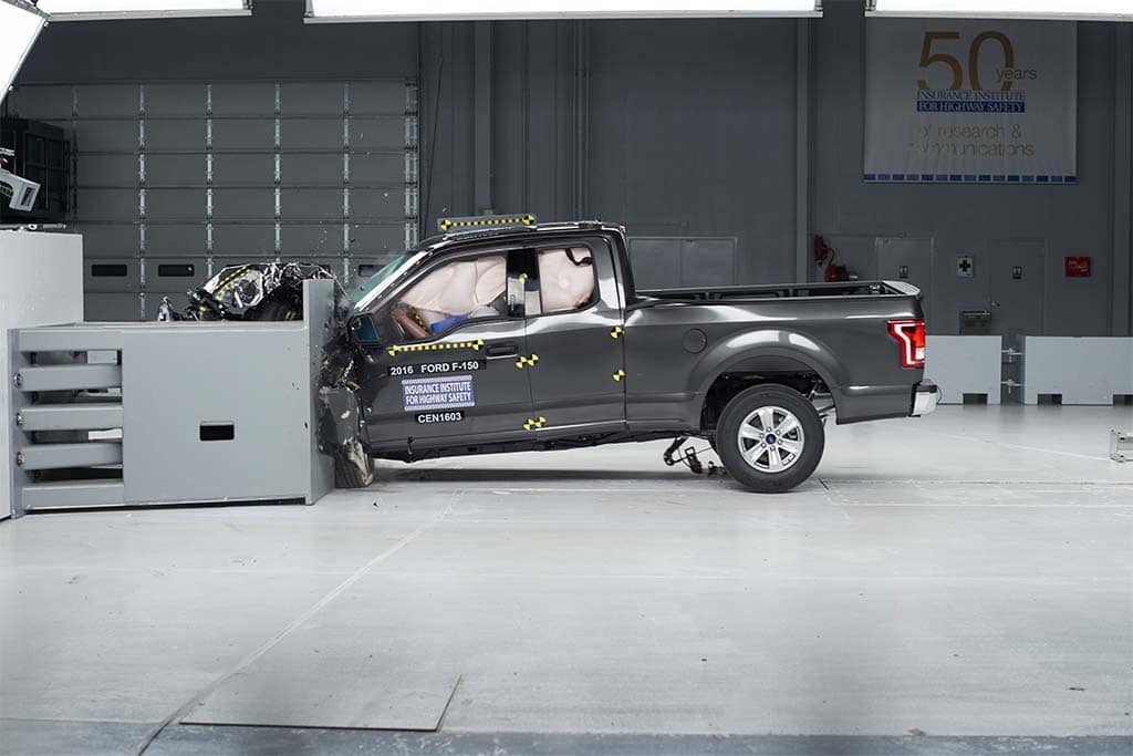 ford f 150 earns only pickup top safety rating in iihs crash test. Black Bedroom Furniture Sets. Home Design Ideas