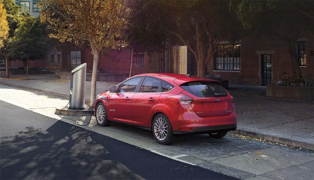 Ford Planning Long-Range EV to Challenge Tesla, GM