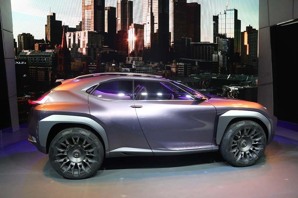 Lexus Downsizes with New UX SUV Concept   TheDetroitBureau.com