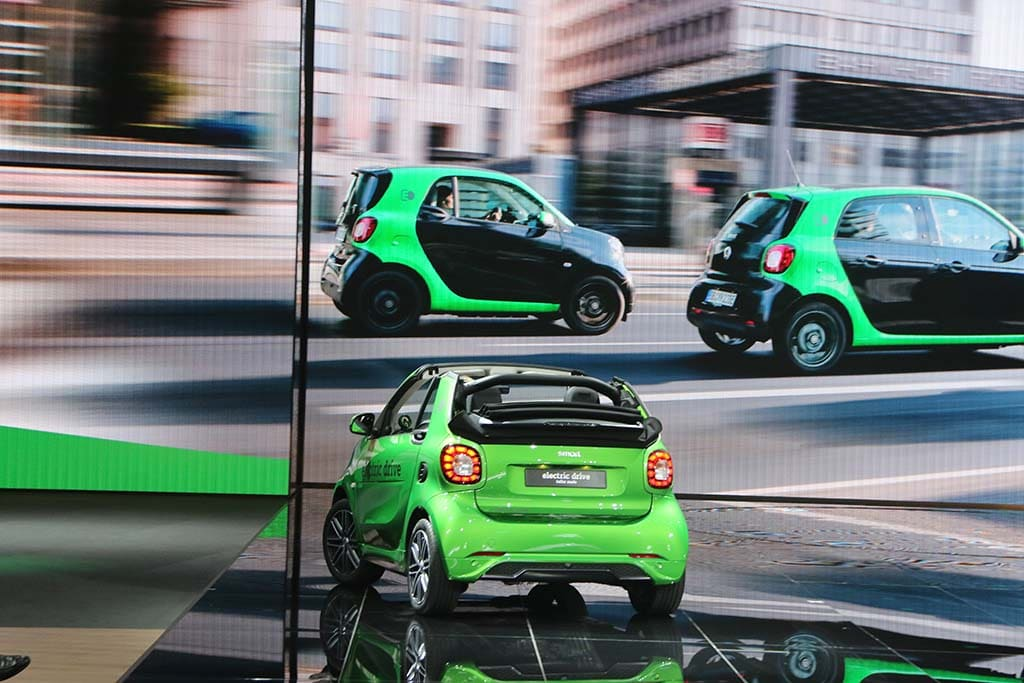 As Sales Spiral Down, Daimler Kills Smart — in the U.S.