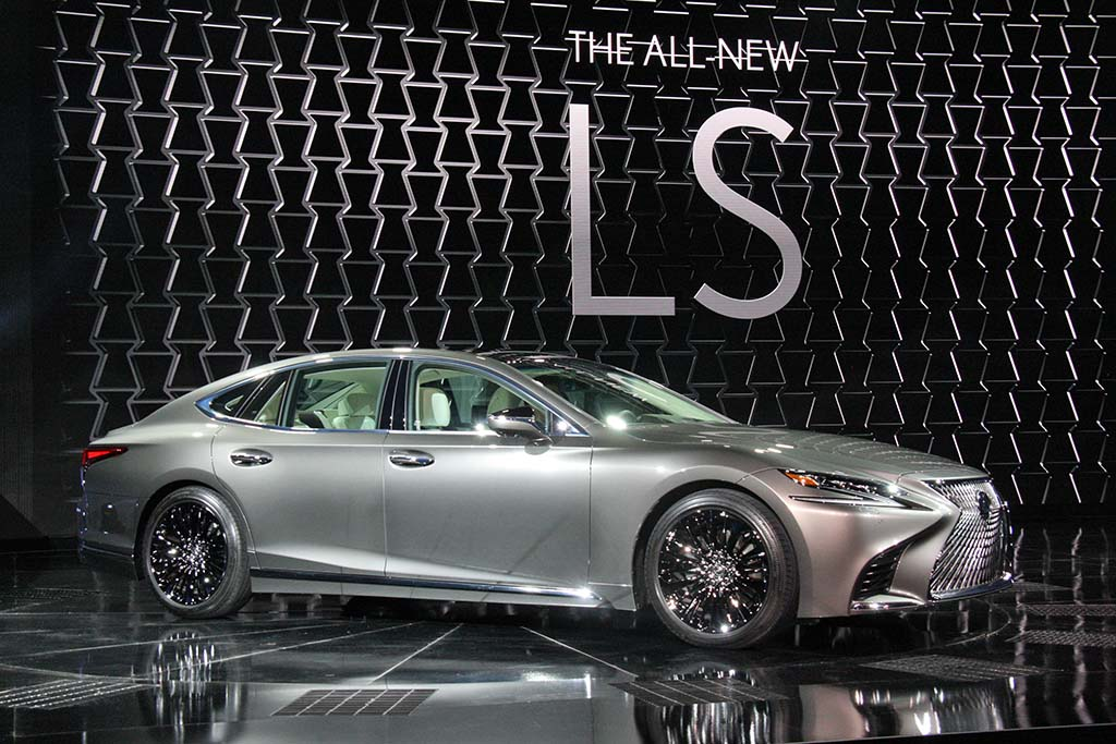 lexus wants buyers to plug in with ls 500h hybrid flagship. Black Bedroom Furniture Sets. Home Design Ideas