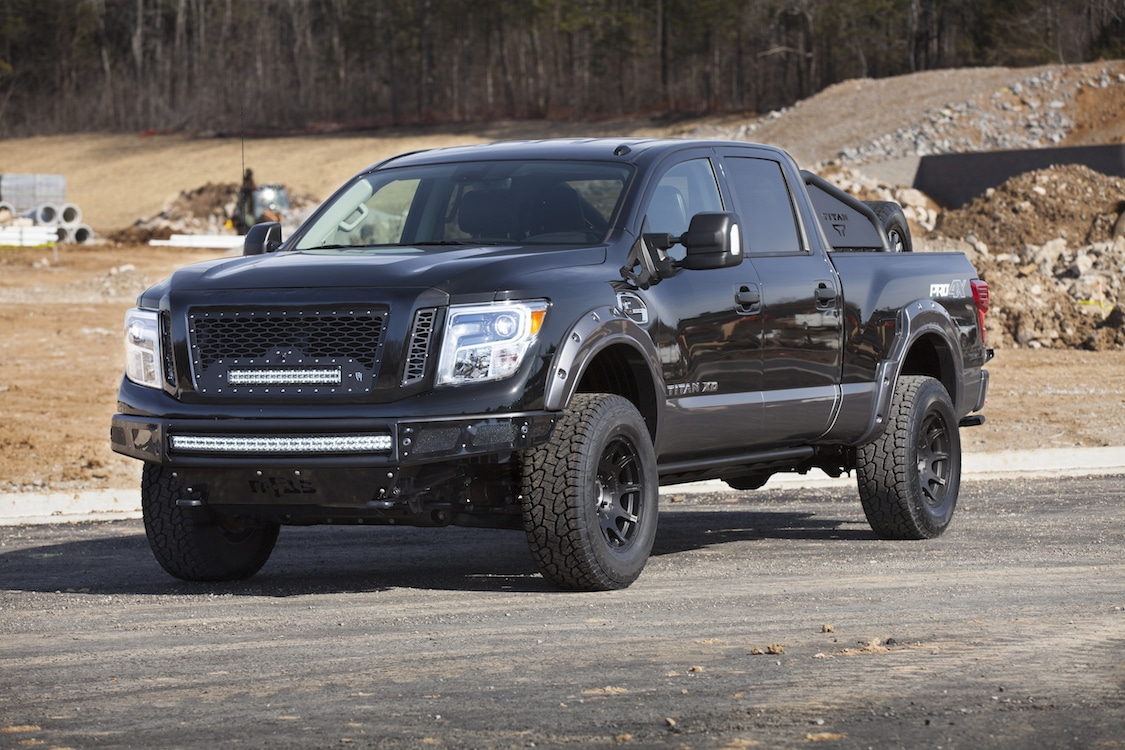 nissan dresses up new titan for winter. Black Bedroom Furniture Sets. Home Design Ideas