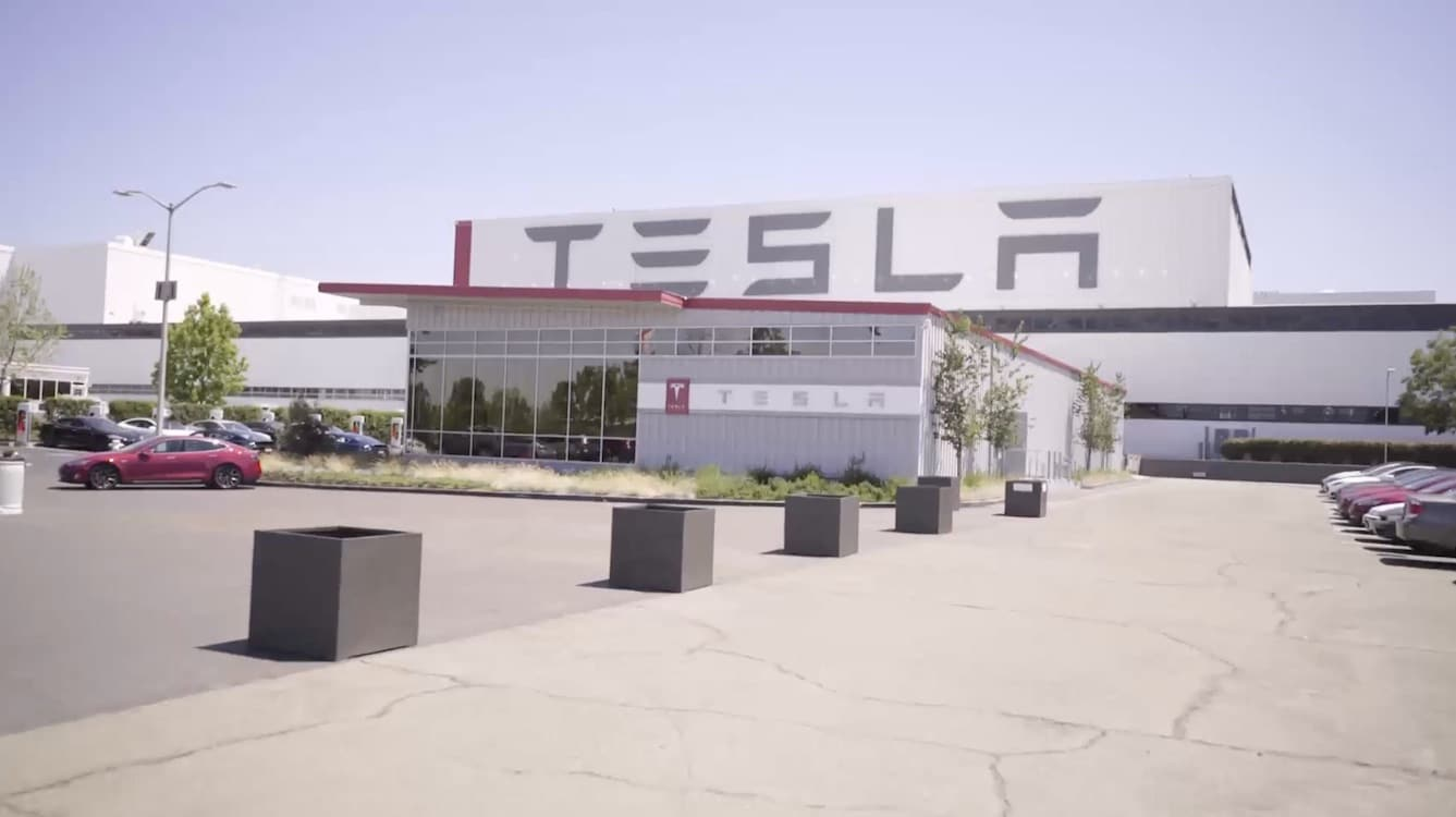 Tesla Losing Top Executives as Uncertainty Sets In
