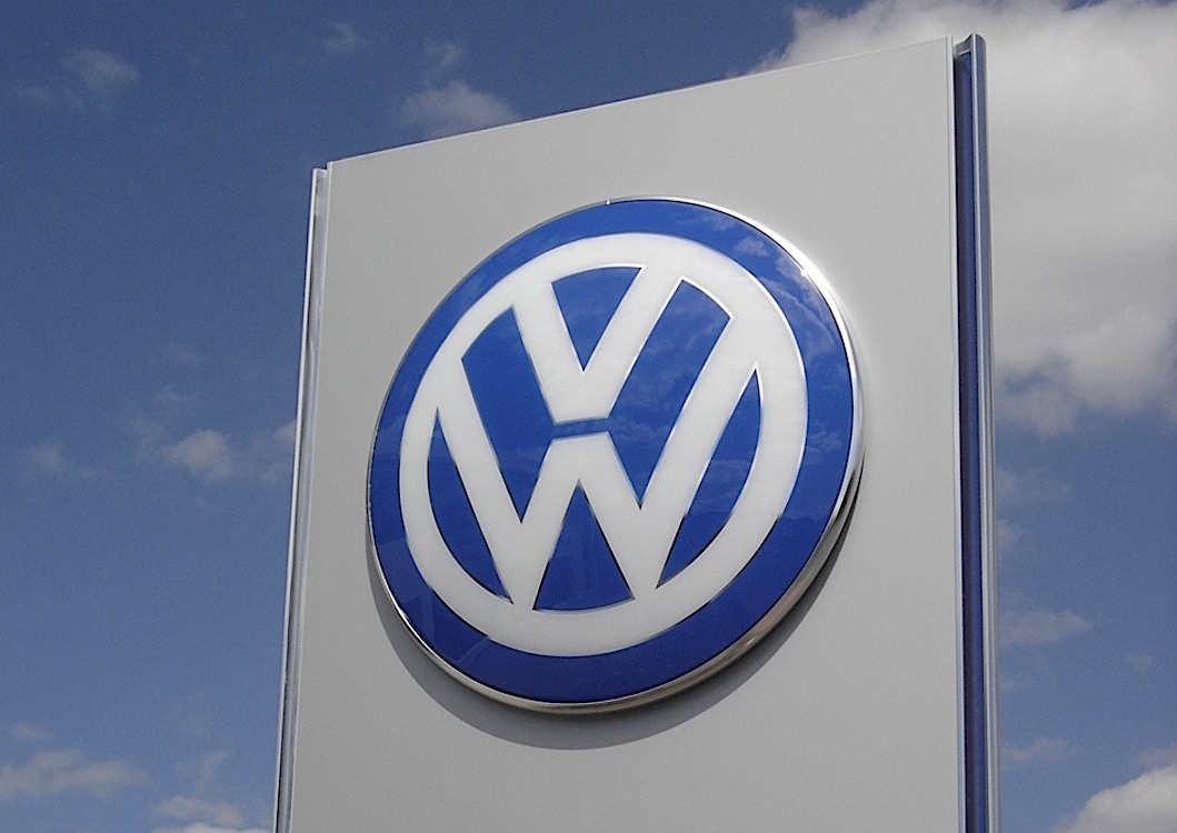 VW and Daimler Inspected by European Union as Cartel Probe Widens