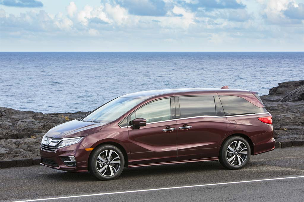 American Honda Recalls 241K Odyssey Minivans
