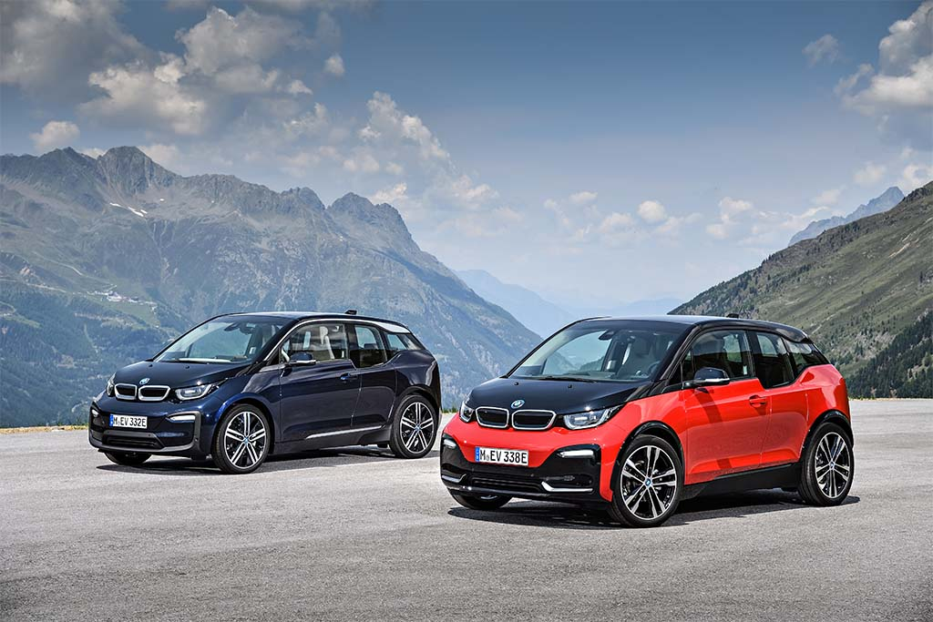 bmw offers sportier take with gen 2 i3 city car. Black Bedroom Furniture Sets. Home Design Ideas