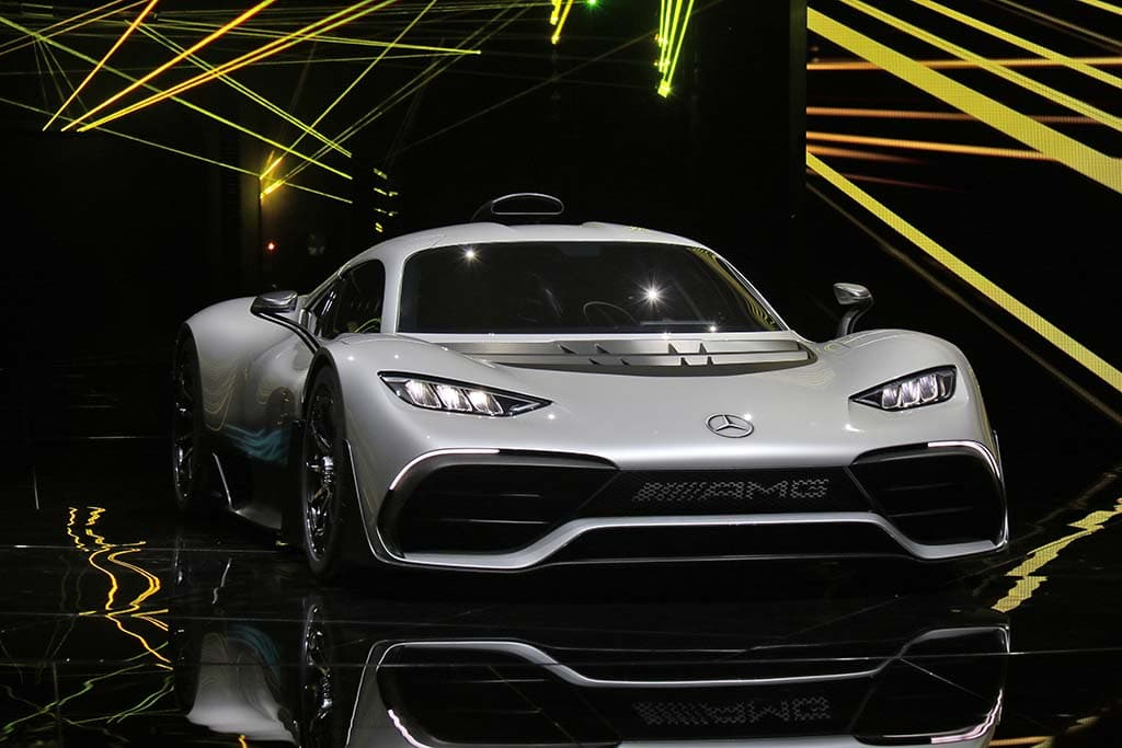 mercedes amg project one takes f1 onto the streets. Black Bedroom Furniture Sets. Home Design Ideas