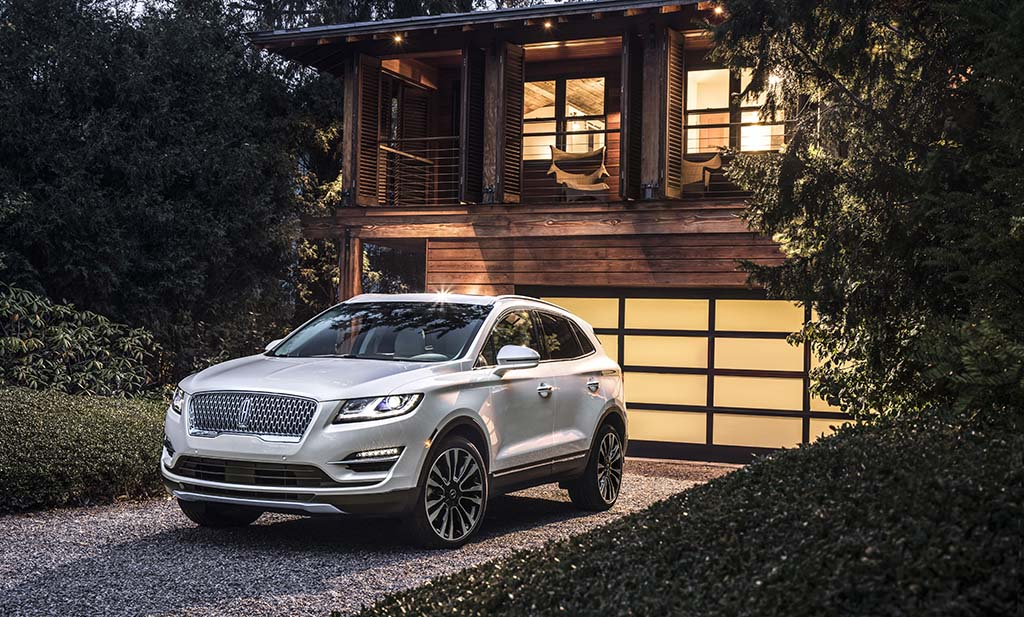 Lincoln Refreshes Upgrades Mkc For 2019