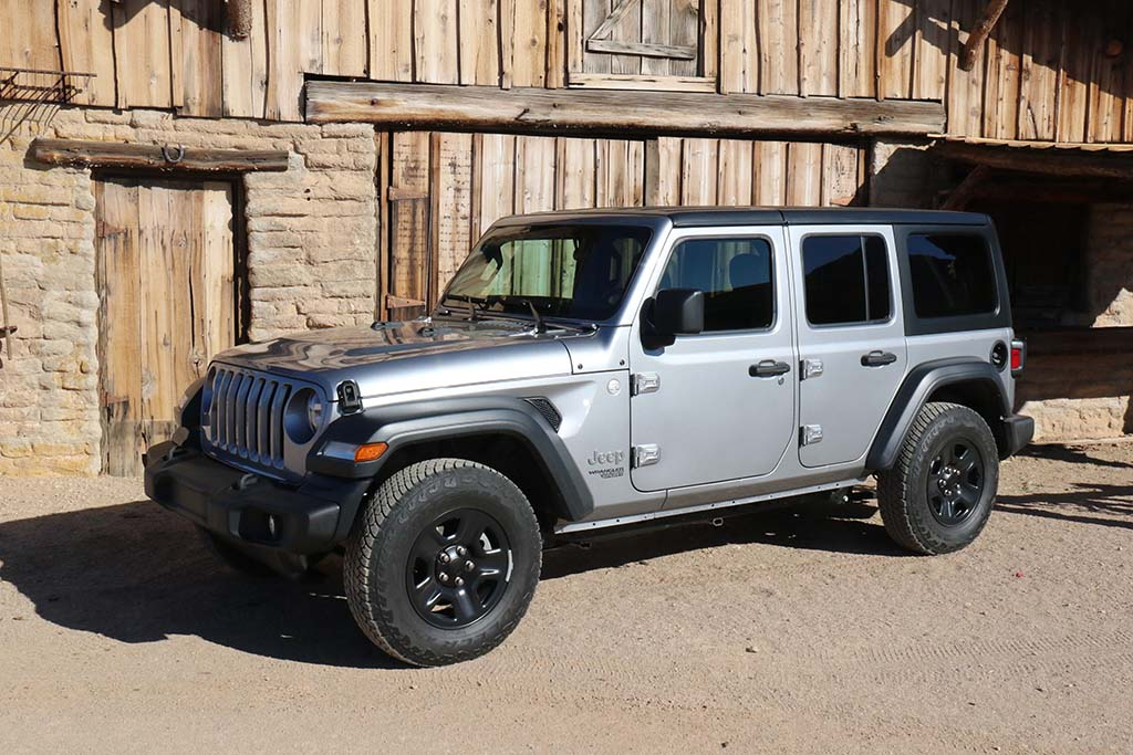 NHTSA Investigating 270K Jeep Wranglers for Steering Problems