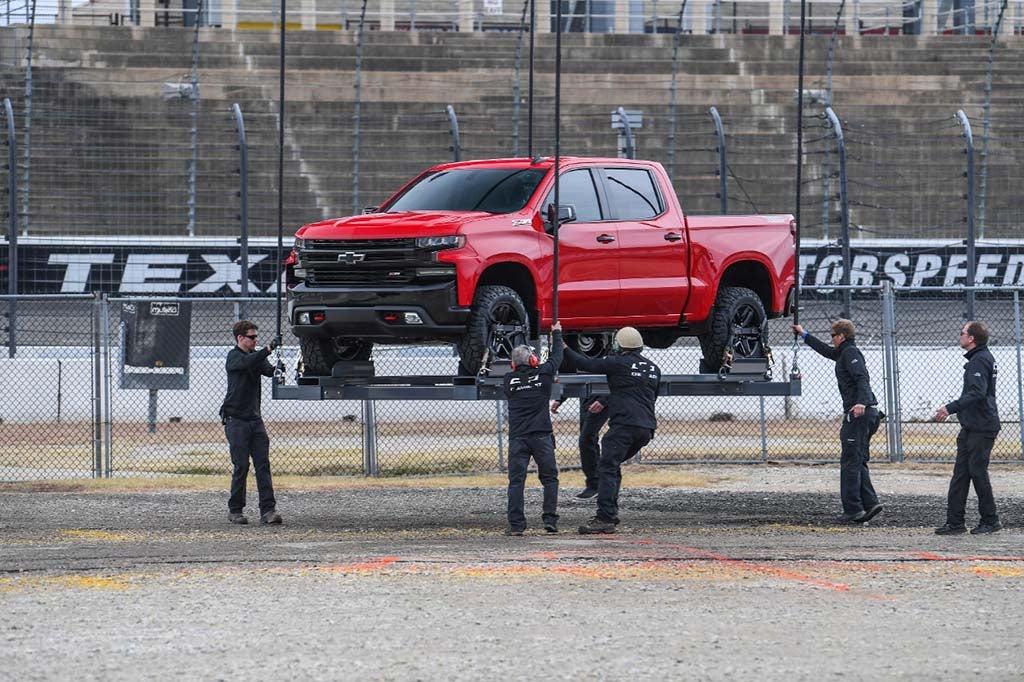 First Look: 2019 Chevrolet Silverado | TheDetroitBureau.com