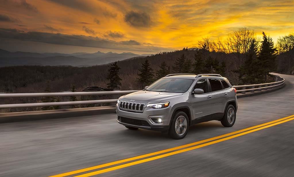 Cherokee For Less >> Less Polarizing Jeep Cherokee Set To Debut At Naias