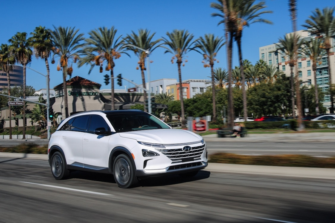 Hyundai Nexo fuel cell SUV debuts at CES