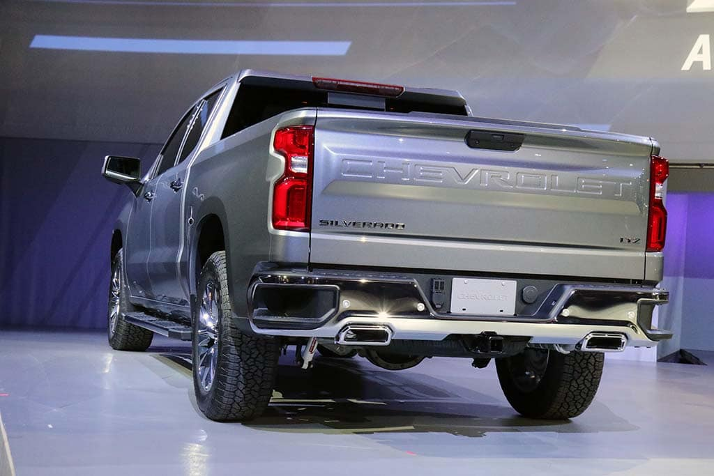 Can 2019 Chevrolet Silverado Topple Ford's King-of-the ...