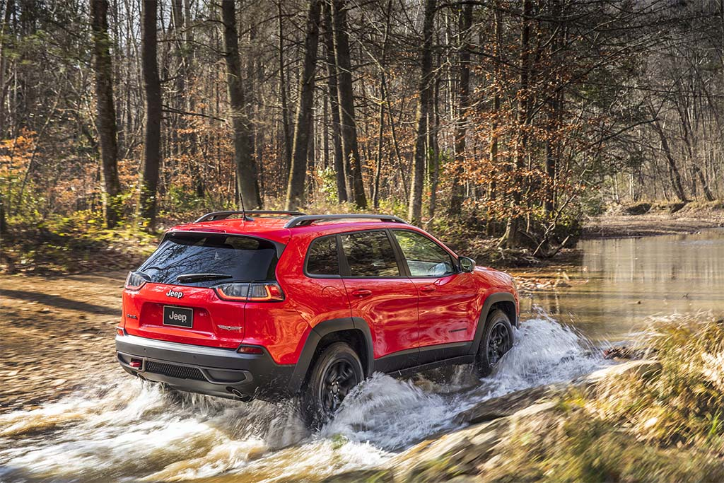 First Drive: 2019 Jeep Cherokee   TheDetroitBureau.com