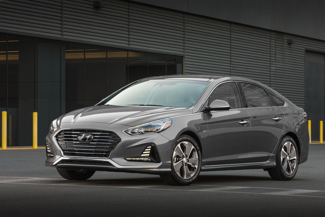 Hyundai Sonata Hybrid, Plug-in bring some green to Chicago