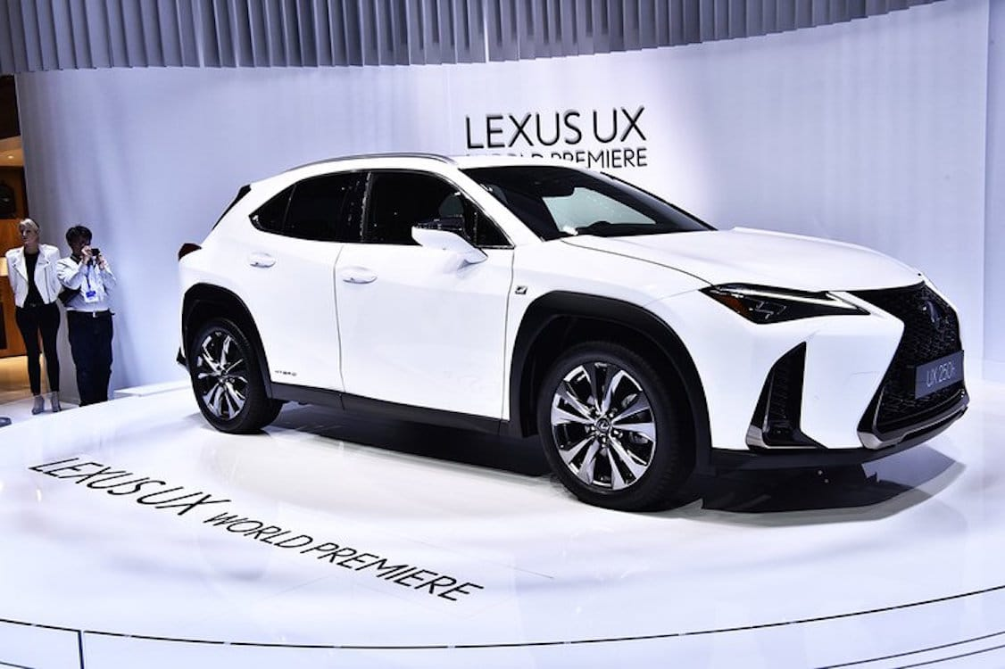 lexus turns urban explorer with new ux compact crossover. Black Bedroom Furniture Sets. Home Design Ideas