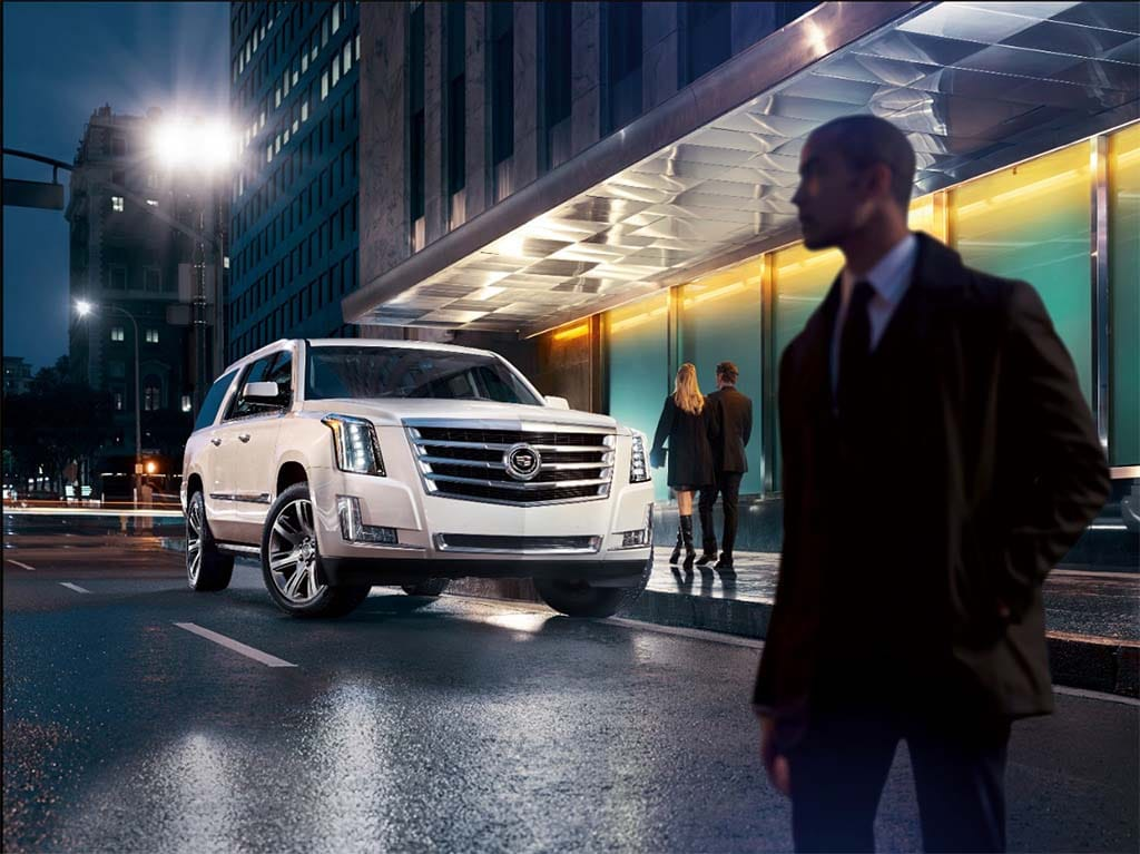 Cadillac targets Lincoln, offers $10000 discount on 2018 Escalade SUV