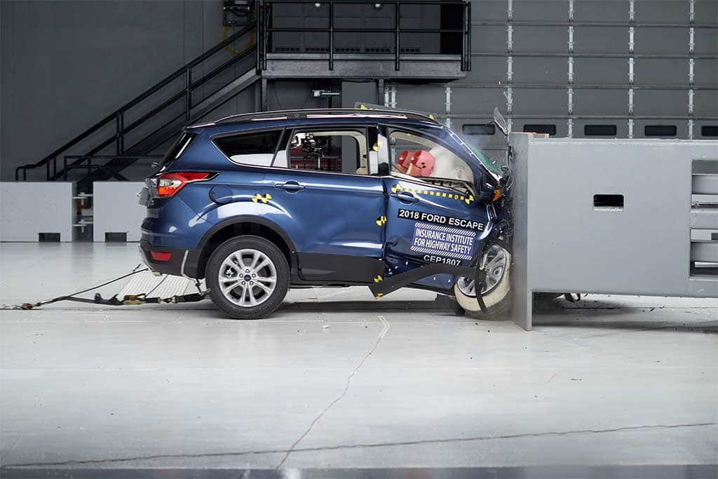 IIHS Tests Safety of Small SUVs