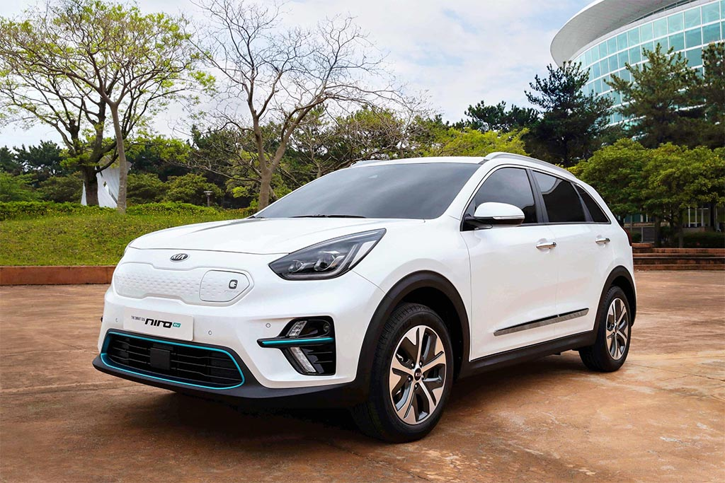 production version of kia niro ev breaks cover. Black Bedroom Furniture Sets. Home Design Ideas