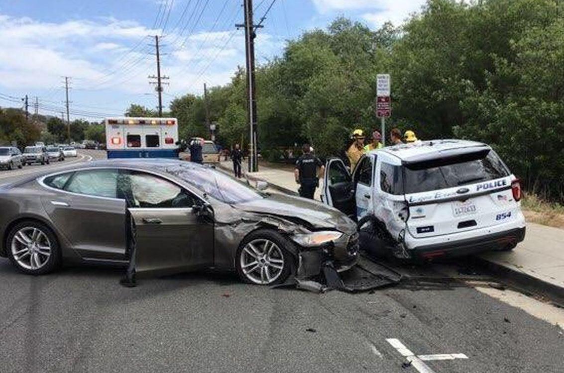 Tesla Sedan on Autopilot Slams into Cop Car