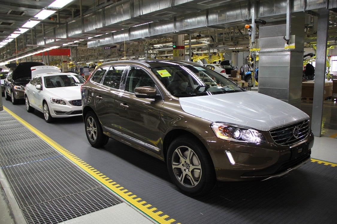 November Auto Sales Slump 5.4% in China