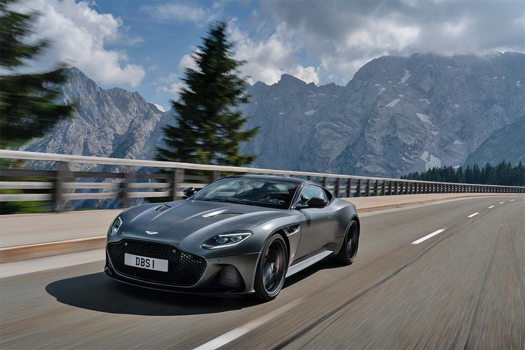 First Drive 2019 Aston Martin Dbs Superleggera