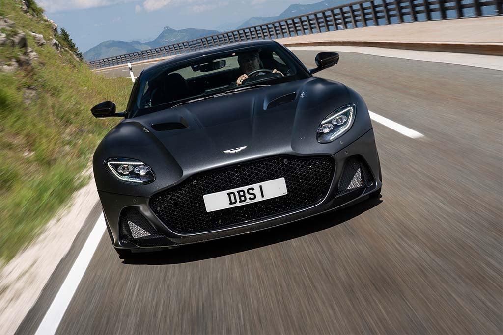 First Drive 2019 Aston Martin Dbs Superleggera Thedetroitbureau Com