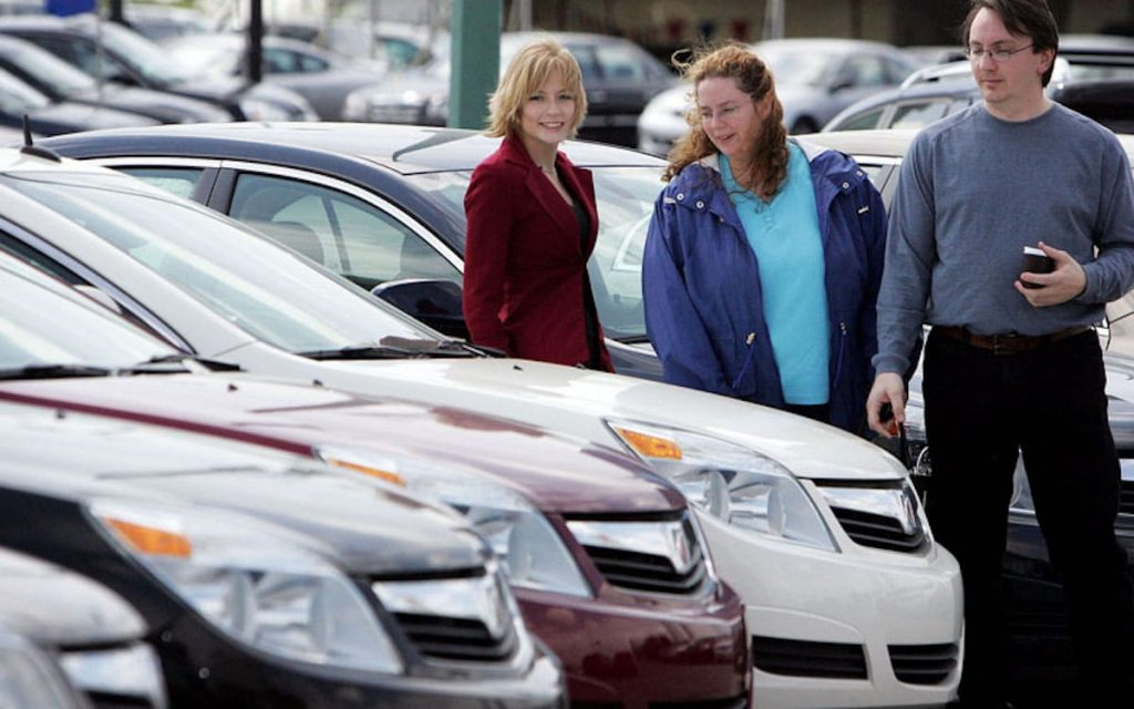 Car shoppers on lot