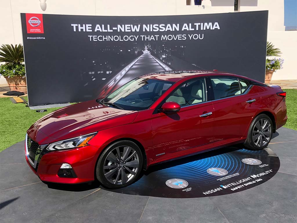 New Nissan Maxima Debuting At LA Auto Show TheDetroitBureaucom - When is the la car show