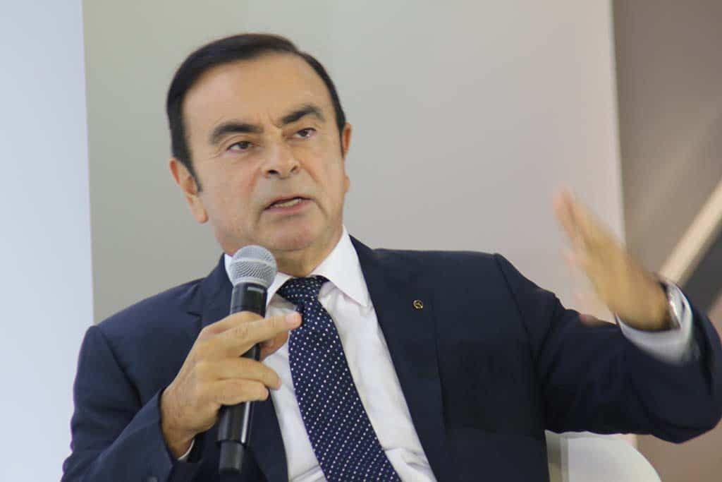 Mitsubishi Shareholders Vote to Remove Ghosn as Chairman